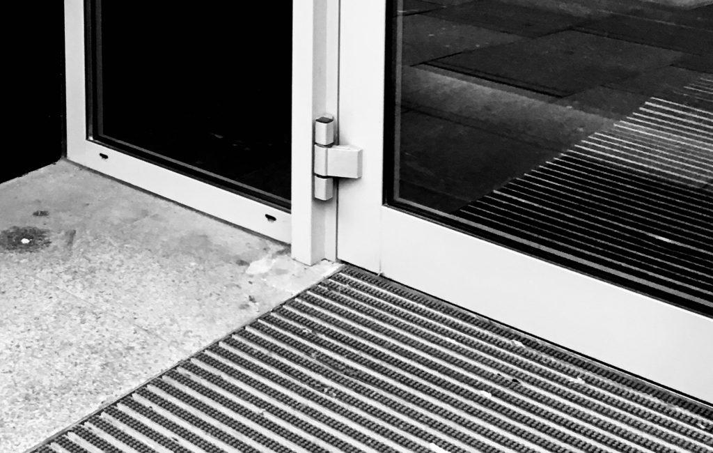 VORTRAG // Sich einspiegelnde Bilder – Bildlichkeit reflektieren als Moment visueller Bildung
